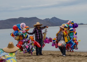 Topolobampo beach sellers